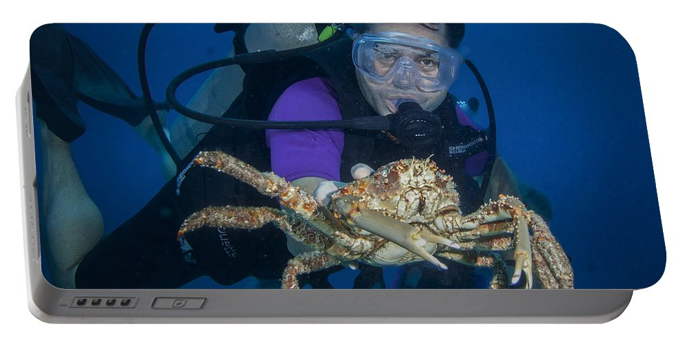 Belize Portable Battery Charger featuring the photograph Mike And The Crab by Jean Noren
