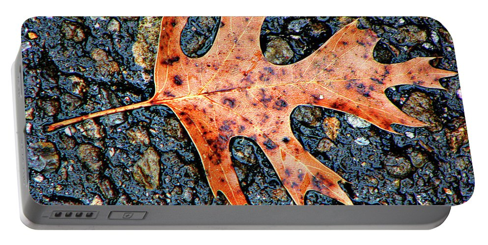 Oak Portable Battery Charger featuring the photograph Oak Leaf In Fall by Carolyn Marshall