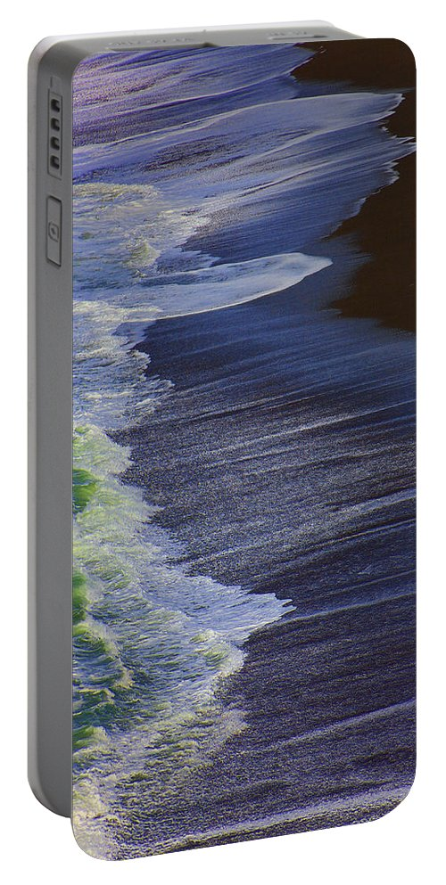 Ocean Portable Battery Charger featuring the photograph Ocean Waves by Garry Gay
