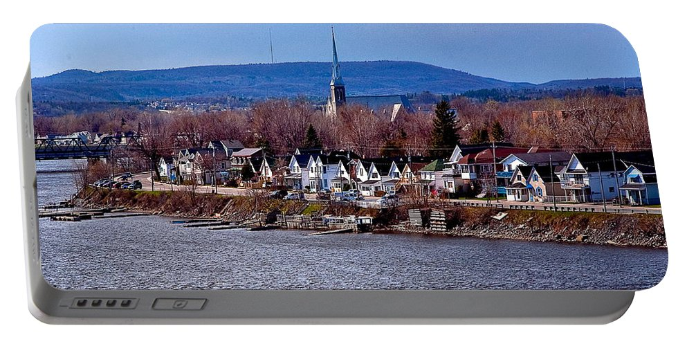 Seaside Scene Portable Battery Charger featuring the photograph On The Edge by Burney Lieberman