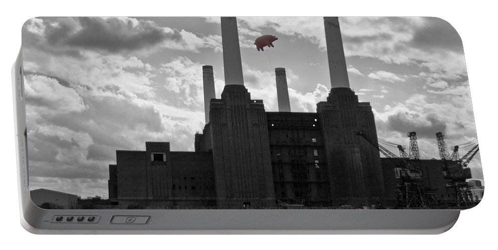 Pink Floyd Portable Battery Charger featuring the photograph Pink Floyd Pig At Battersea by Dawn OConnor