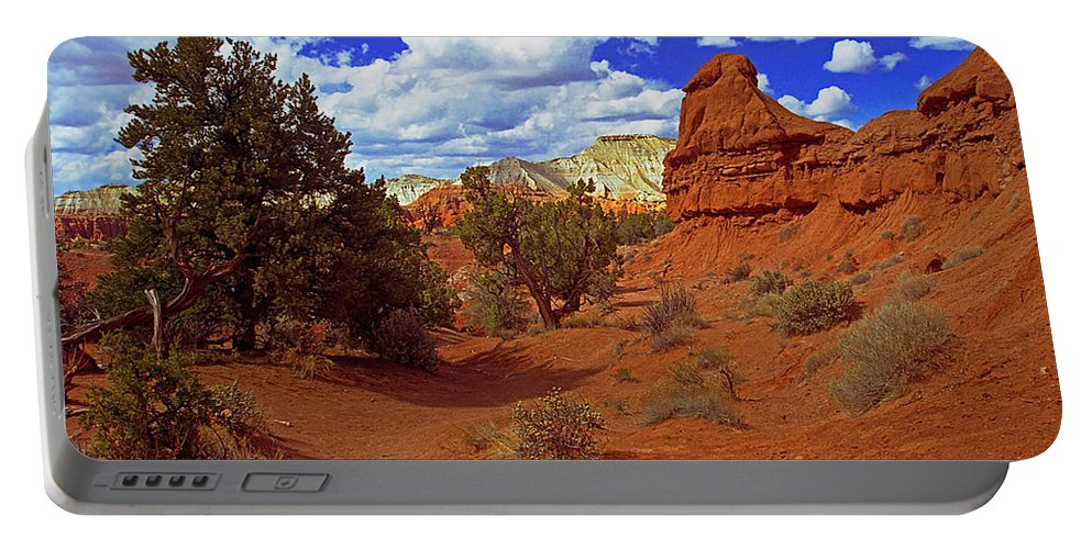 Utah Portable Battery Charger featuring the photograph Shakespeare Trail In Kodachrome Park by Rich Walter