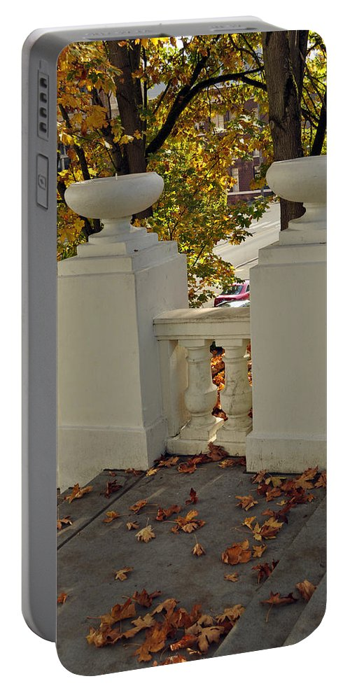 Tacoma Portable Battery Charger featuring the photograph Spanish Steps IIi by Tikvah's Hope