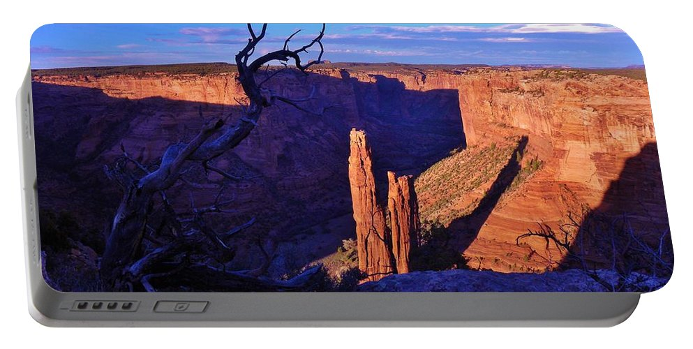 Canyon De Chelly Portable Battery Charger featuring the photograph Spider Rock by John Wanserski