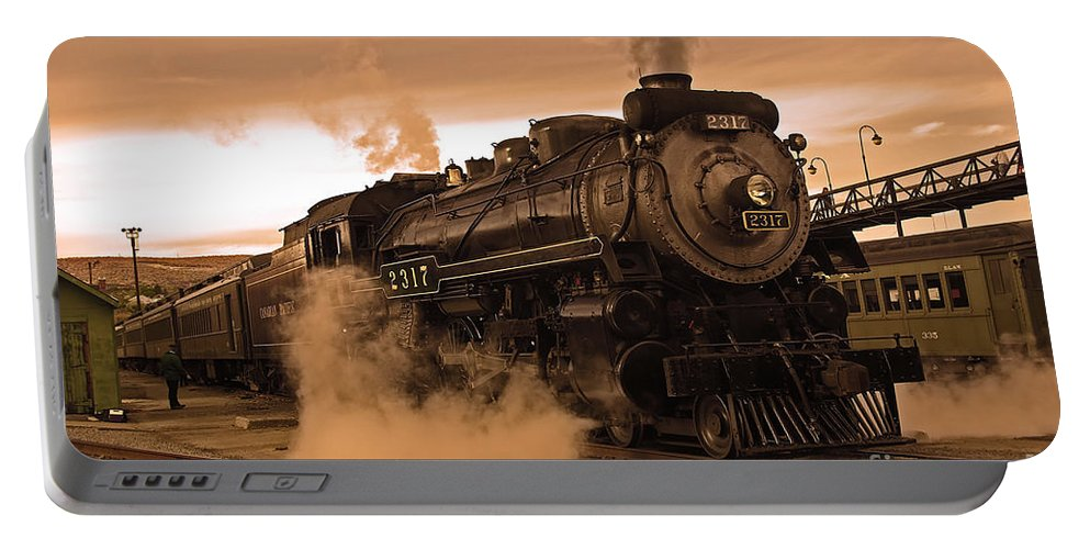 Pennsylvania Portable Battery Charger featuring the photograph Steamtown Engine 2317 by Rich Walter