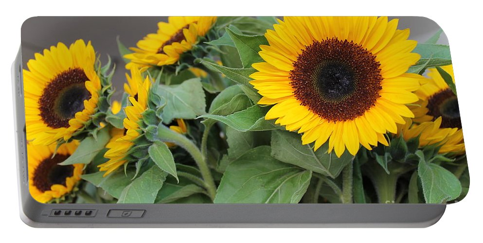 Sunflowers Portable Battery Charger featuring the photograph Sunflowers At Pikes Market by Pamela Walrath
