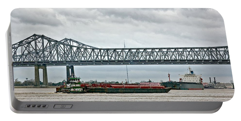 Mississippi River Portable Battery Charger featuring the photograph Traffic Jam by Steve Harrington