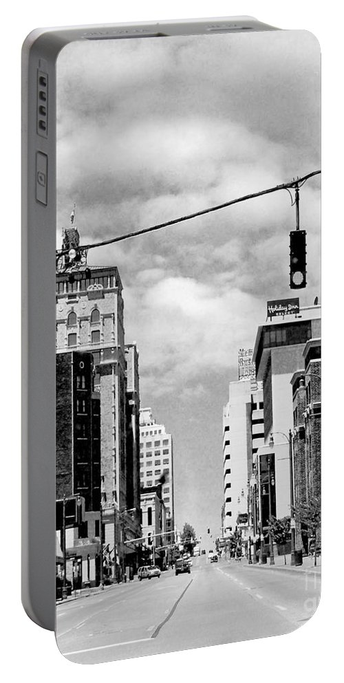 Downtown Portable Battery Charger featuring the photograph Union Avenue Memphis by Lizi Beard-Ward