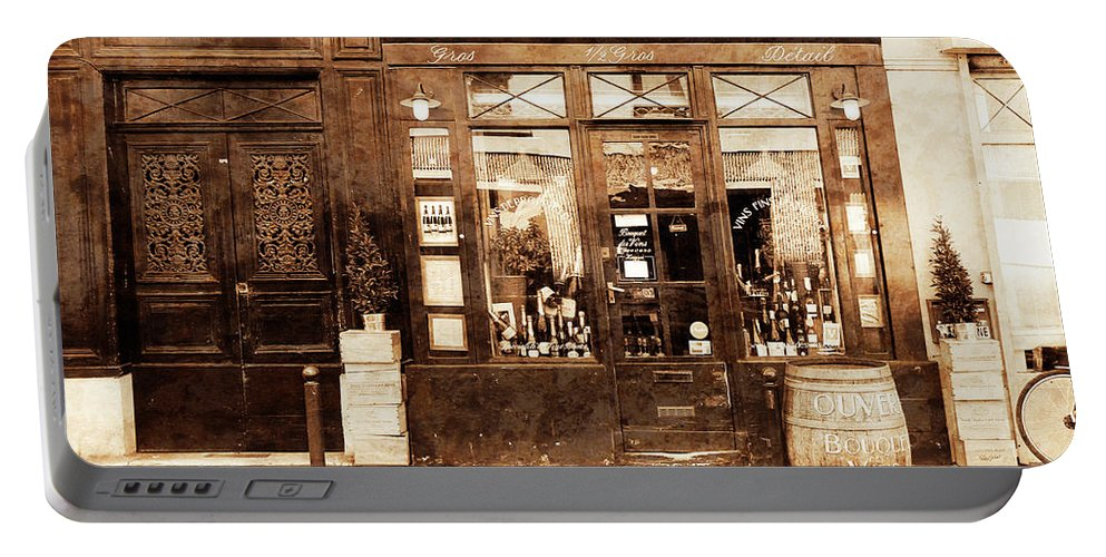 Paris Portable Battery Charger featuring the photograph Vintage Paris 4 by Andrew Fare