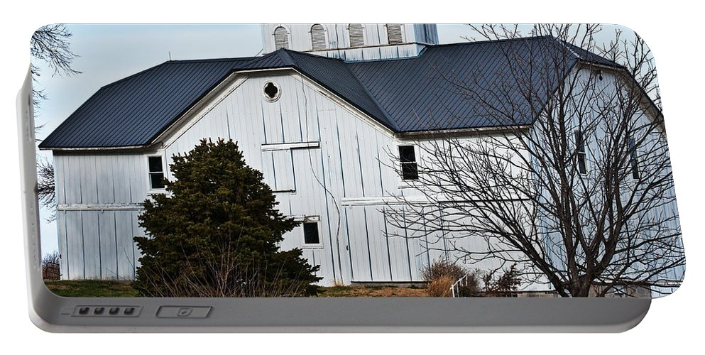 Barn Portable Battery Charger featuring the photograph White Barn by Edward Peterson