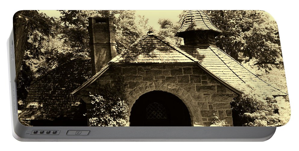 Garden Portable Battery Charger featuring the photograph Ye Ole Cottage by Art Dingo