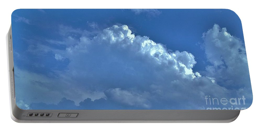 Iphone 4s Portable Battery Charger featuring the photograph 05222012108 by Debbie L Foreman