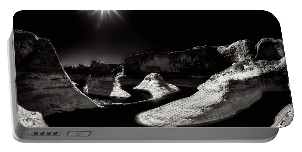 Lake Powell Portable Battery Charger featuring the photograph Beautiful Lake Powell by Gary Ladd