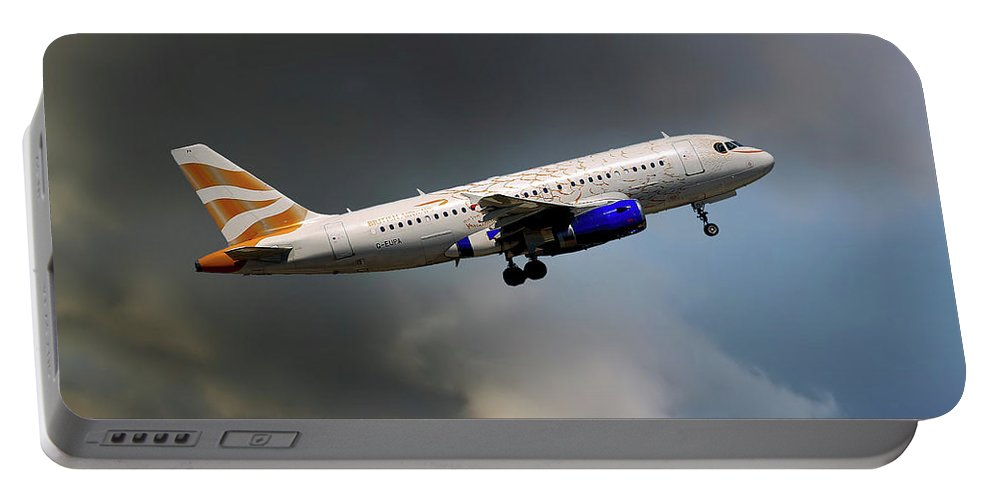 British Airways Portable Battery Charger featuring the photograph British Airways Airbus A319-131 by Smart Aviation