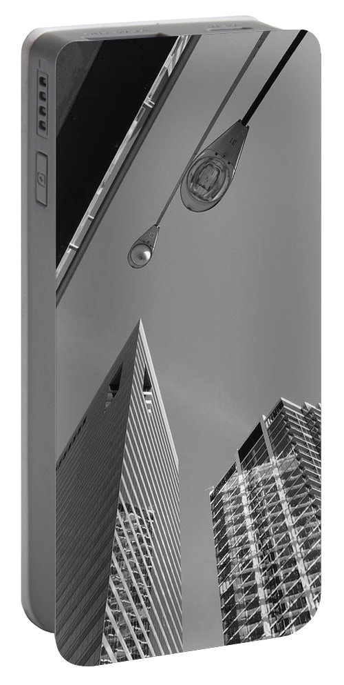 America Portable Battery Charger featuring the photograph Chicago Cityscape by Frank Romeo