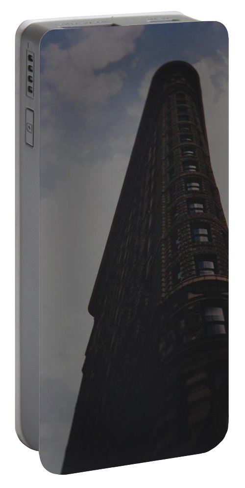 Flat Iron Building Portable Battery Charger featuring the photograph Flat Iron Building by Rob Hans