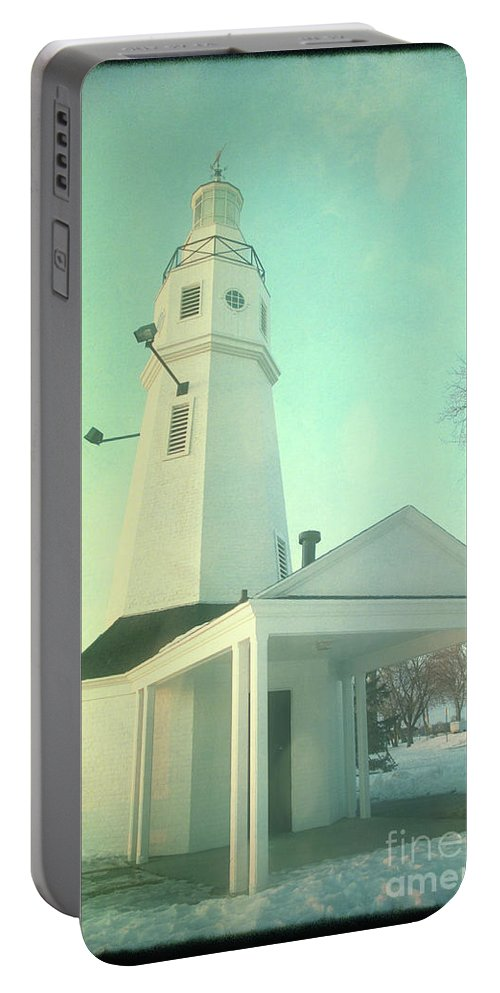 Lighthouse Portable Battery Charger featuring the photograph Kimberly Pointe Lighthouse by Joel Witmeyer