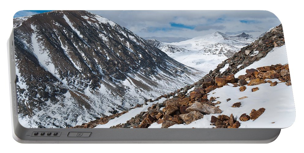 Lincoln Peak Portable Battery Charger featuring the photograph Lincoln Peak Winter Landscape by Cascade Colors