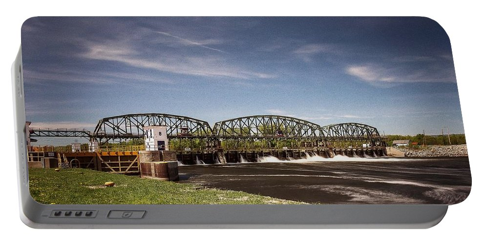 Schenectady Lock 8 Portable Battery Charger featuring the photograph Schenectady Lock 8 by George Fredericks