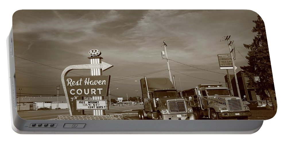 66 Portable Battery Charger featuring the photograph Route 66 - Rest Haven Motel by Frank Romeo