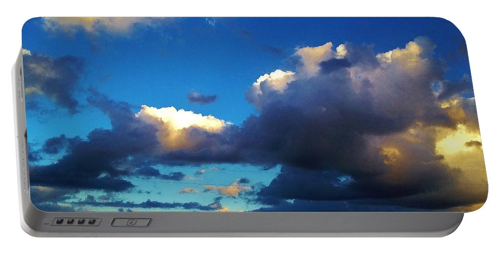 Iphone 4s Portable Battery Charger featuring the photograph 12252012017 by Debbie L Foreman