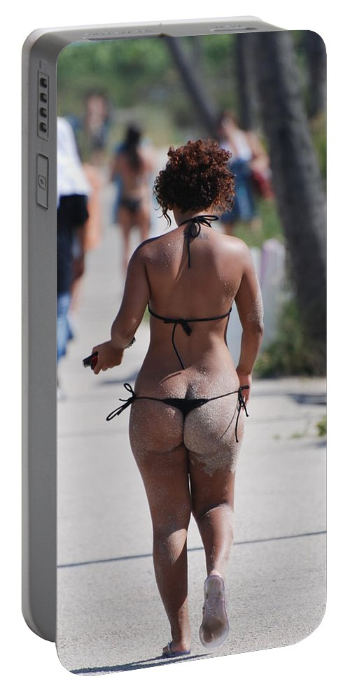 Portriat Portable Battery Charger featuring the photograph L W Thong by Rob Hans