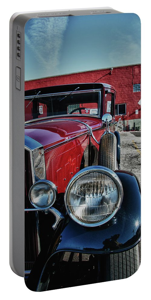 Antique Car Portable Battery Charger featuring the photograph 1931 Pierce Arow 3473 by Guy Whiteley