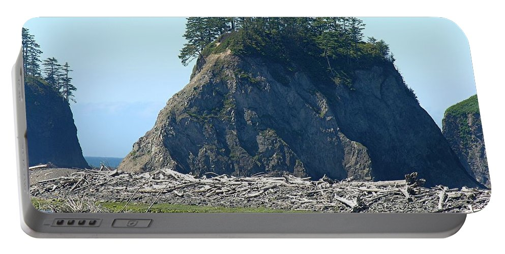 Ocean Portable Battery Charger featuring the photograph Washington Coast by Diane Greco-Lesser