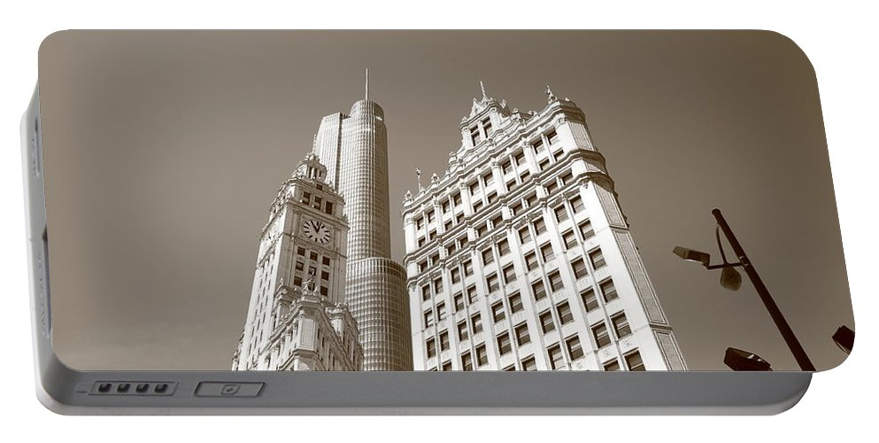 America Portable Battery Charger featuring the photograph Chicago Skyline by Frank Romeo