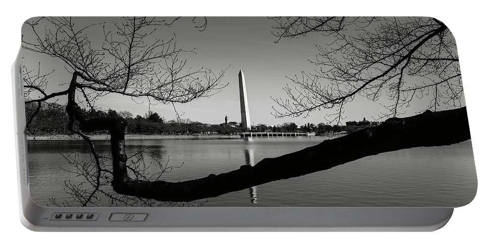 Green Portable Battery Charger featuring the photograph Washington Monument by Brandon Bourdages
