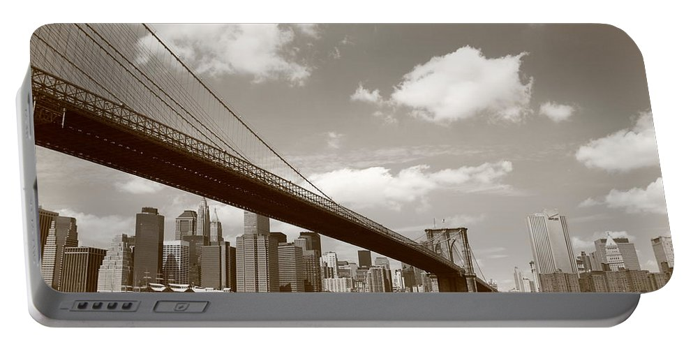 America Portable Battery Charger featuring the photograph Brooklyn Bridge - New York City Skyline by Frank Romeo