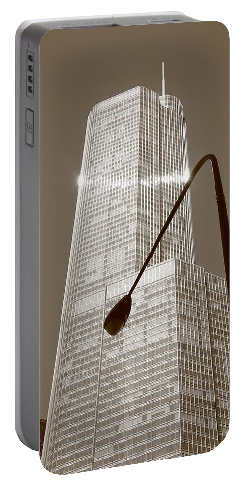 America Portable Battery Charger featuring the photograph Chicago Skyscraper by Frank Romeo