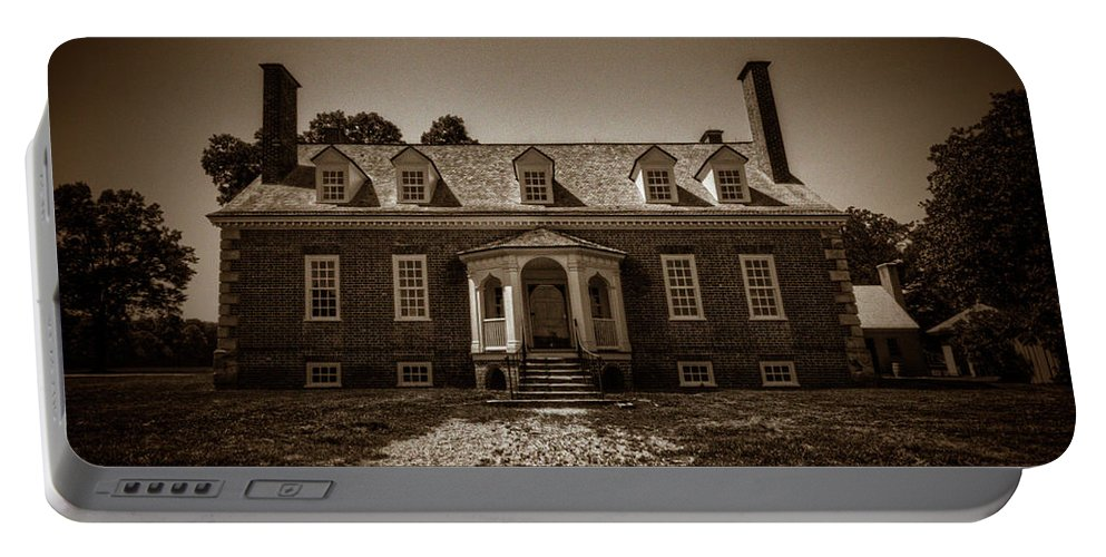Gunston Hall Portable Battery Charger featuring the photograph George Mason's Gunston Hall by Craig Fildes