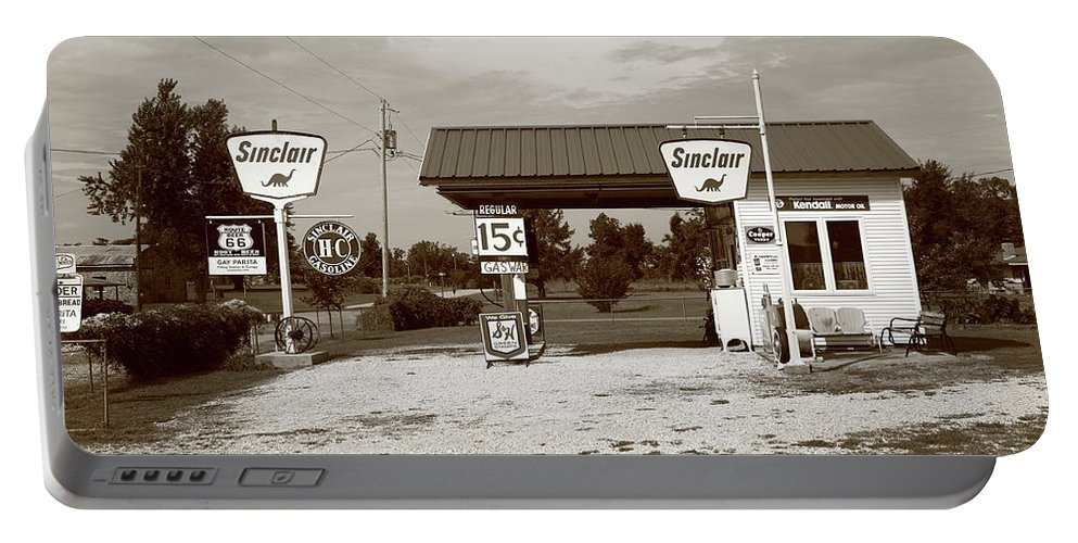 66 Portable Battery Charger featuring the photograph Route 66 Sinclair Station by Frank Romeo
