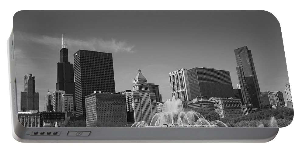 America Portable Battery Charger featuring the photograph Chicago Skyline And Buckingham Fountain by Frank Romeo