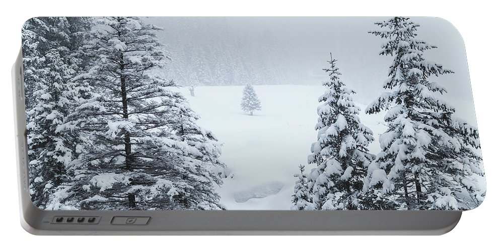 Horizontal Portable Battery Charger featuring the photograph Winter Landscapes by Travel and Destinations - By Mike Clegg