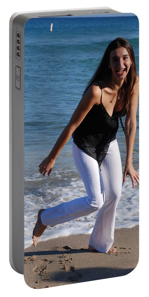 Sea Scape Portable Battery Charger featuring the photograph Gisele by Rob Hans