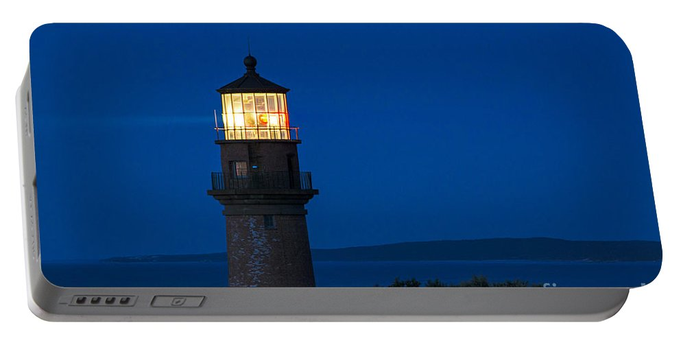 Aquinnah Portable Battery Charger featuring the photograph Gay Head Lighthouse by John Greim