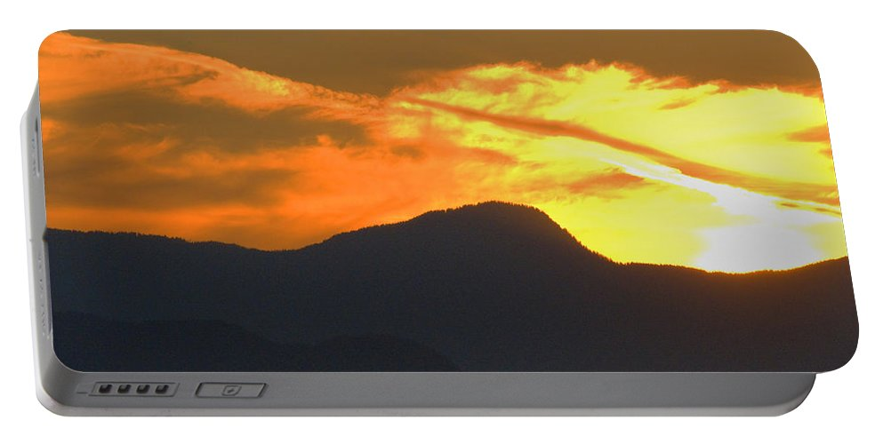 Vancouver Portable Battery Charger featuring the photograph A Vancouver Sunset by Richard Henne