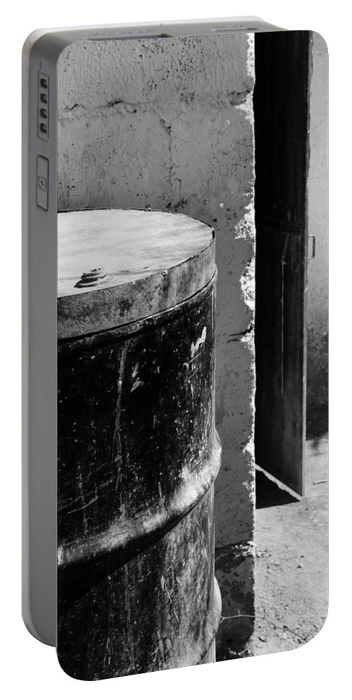 Skip Hunt Portable Battery Charger featuring the photograph Agua by Skip Hunt