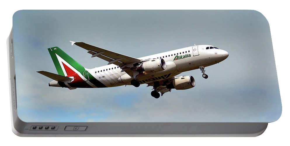 Alitalia Portable Battery Charger featuring the photograph Alitalia Airbus A319-112 by Smart Aviation