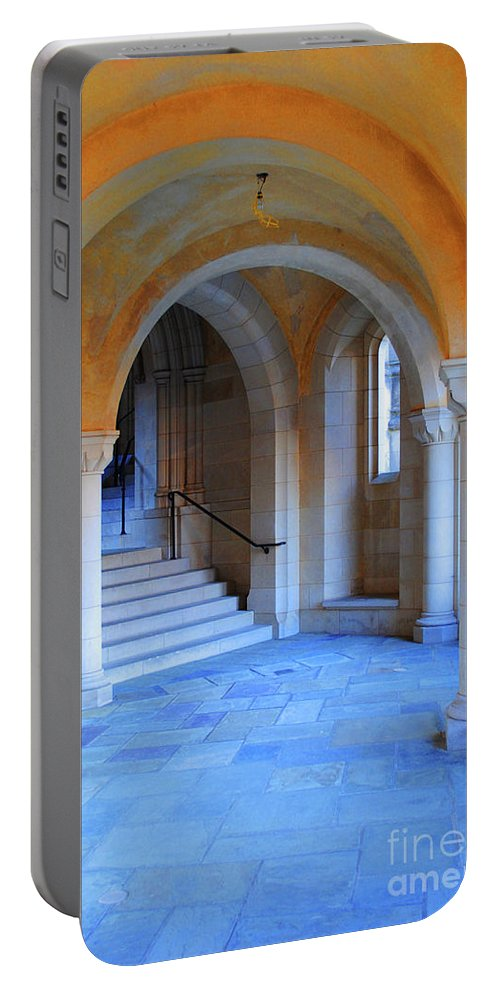 Washington Portable Battery Charger featuring the photograph Archway by Jost Houk