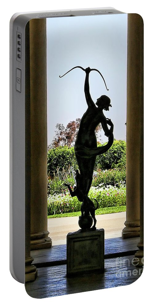Nature Portable Battery Charger featuring the photograph Arts Sculpture California Museum  by Chuck Kuhn