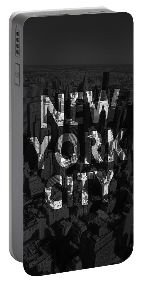 New York Portable Battery Charger featuring the photograph New York City - Black by Nicklas Gustafsson