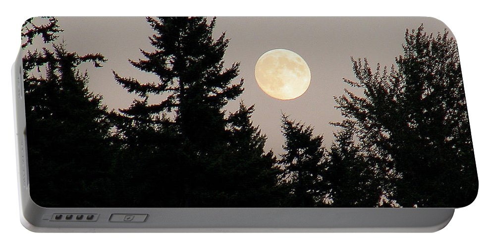 August Portable Battery Charger featuring the photograph August Full Moon - 1 by Shirley Heyn