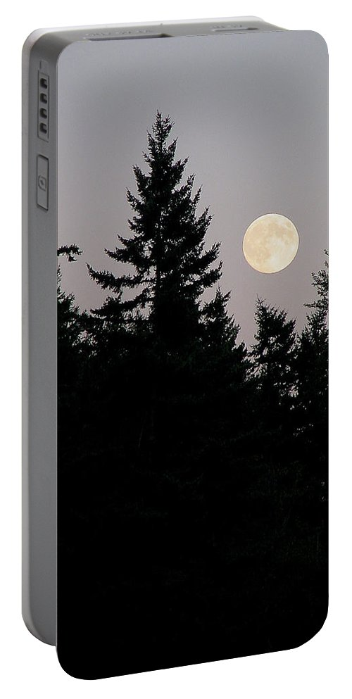 August Portable Battery Charger featuring the photograph August Full Moon - 2 by Shirley Heyn