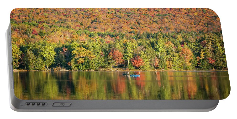 Autumn Portable Battery Charger featuring the photograph Autumn At North Lake by Ryan Kirschner