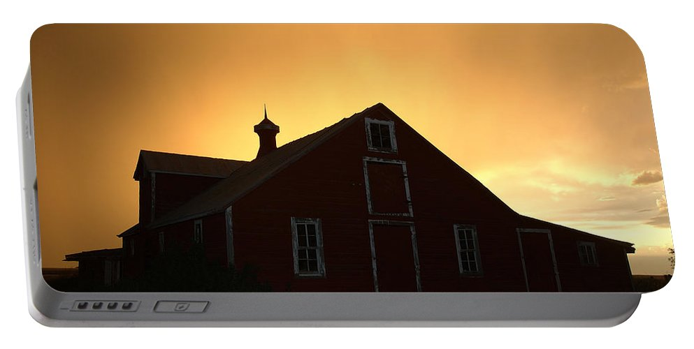 Barn Portable Battery Charger featuring the photograph Barn At Sunset by Jerry McElroy