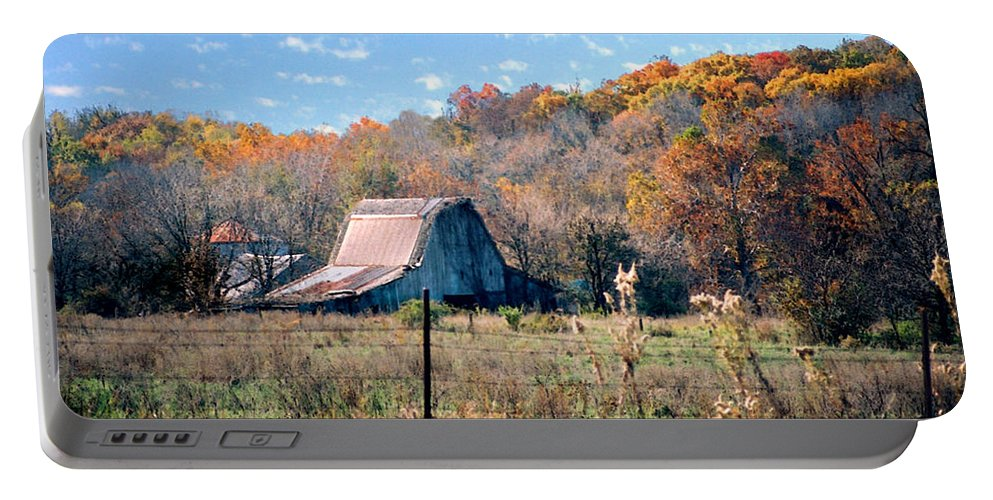 Landscape Portable Battery Charger featuring the photograph Barn In Liberty Mo by Steve Karol