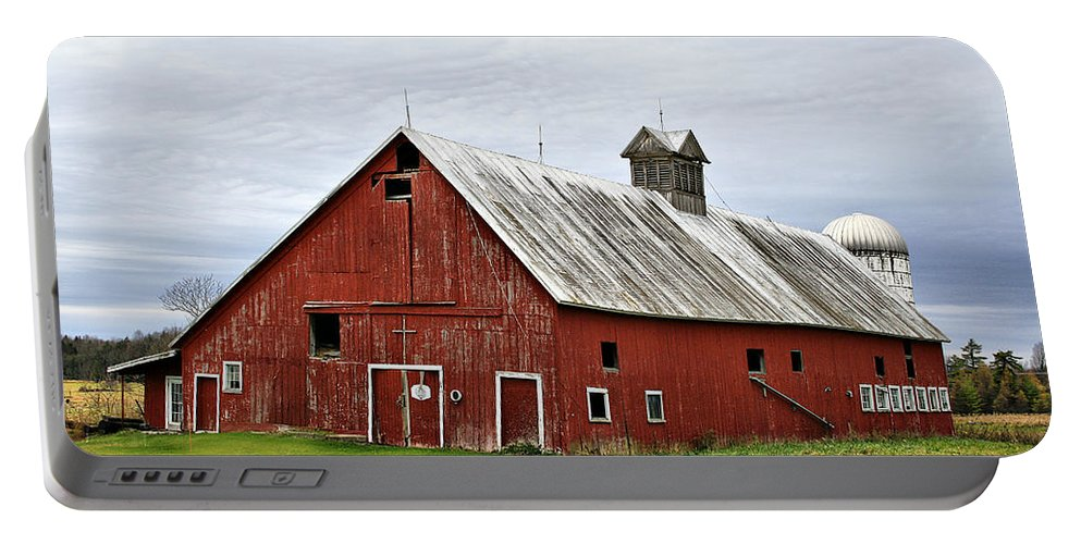 Barn Portable Battery Charger featuring the photograph Barn With A Cross by Deborah Benoit